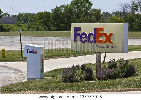 Indianapolis: Circa June 2016: Federal Express Customer Pickup Location. FedEx is a Worldwide Delivery Company VIII