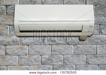 Wall Air Conditioning.
