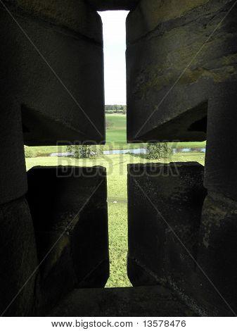 Arrow Loophole Cross