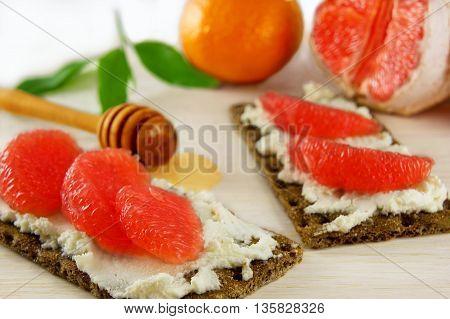 Bruschetta with cream cheese grapefruit and honey
