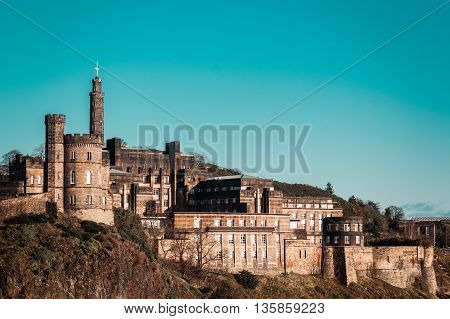 Photo of Castle in Edinburgh Scotland with a clear blue sky