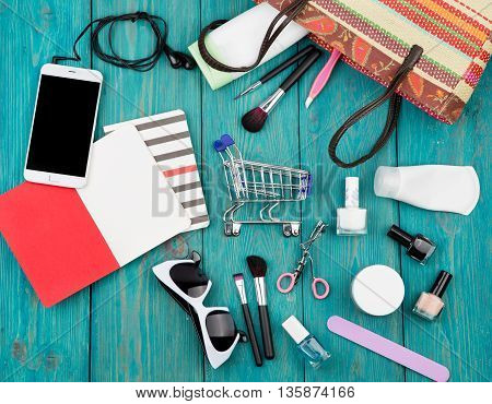 Summer Women Set With Straw Bag, Smartphone With Headphones, Notepads, Sunglasses, Shopping Carts, C
