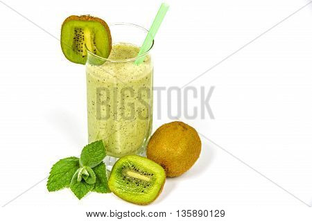 a kiwi juice. some good clean health and served