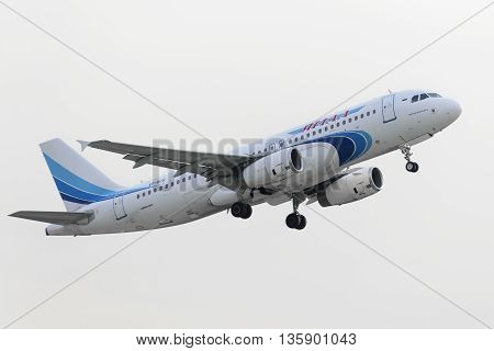 Airbus A320 Yamal Airlines Take Off
