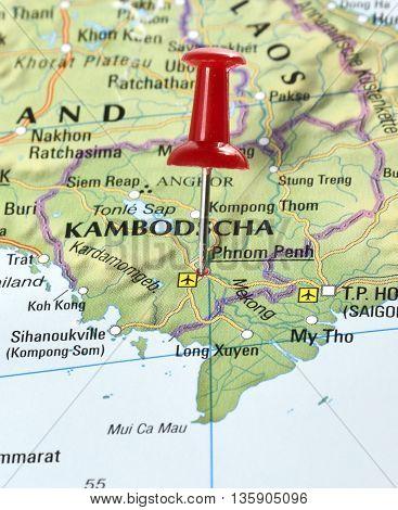 Map with pin set on Phnom Penh, Kambodscha.