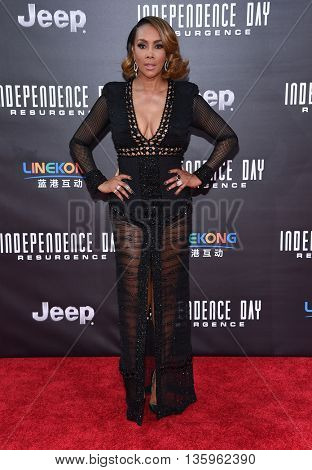 LOS ANGELES - JUN 20:  Vivica A. Fox arrives to the