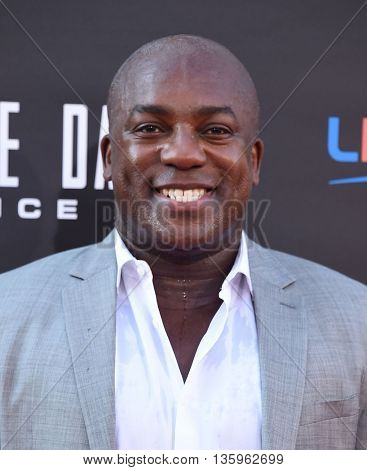 LOS ANGELES - JUN 20:  DeObia Oparei arrives to the