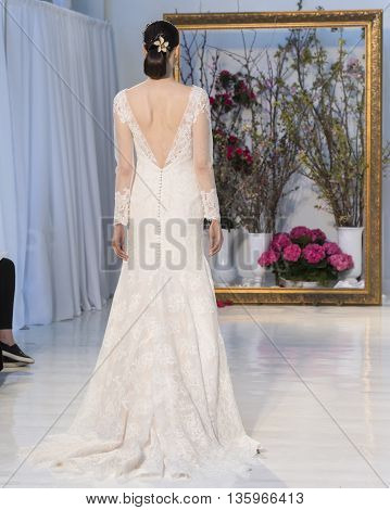 Anne Barge - Bridal Spring/summer 2017 Runway Show