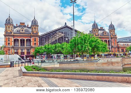 Budapest,hungary-may 04, 2016: Hungarian  Budapest Western Railway Station, Is One Of The Three Main
