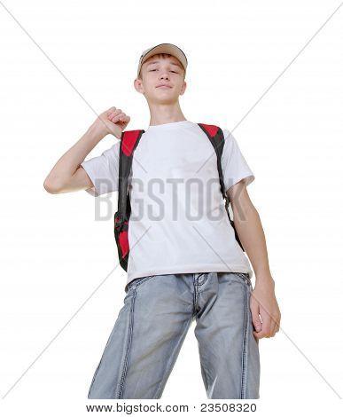 Casual adolescente preparando a la escuela a pie
