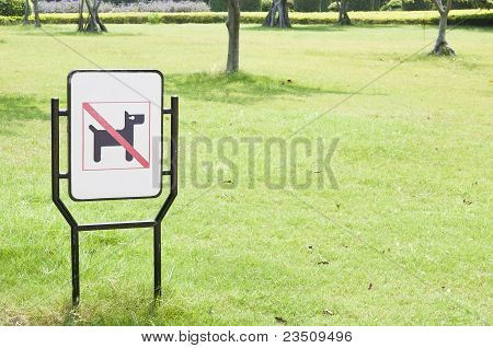 No Dogs Pets Allowed Warning Sign