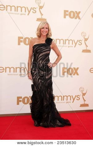 LOS ANGELES - SEP 18:  Lara Spencer arriving at the 63rd Primetime Emmy Awards at Nokia Theater on September 18, 2011 in Los Angeles, CA