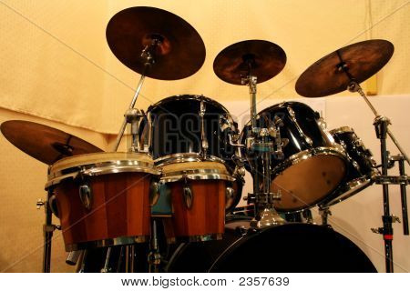 Percussion Instrument Consisting Drum, Cymbals And The Like