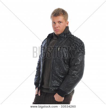 Retrato de um homem jovem bonito