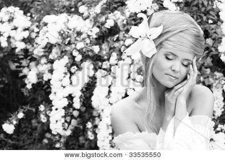Portrait Of A Beautiful Female Model  In Black & White Photo