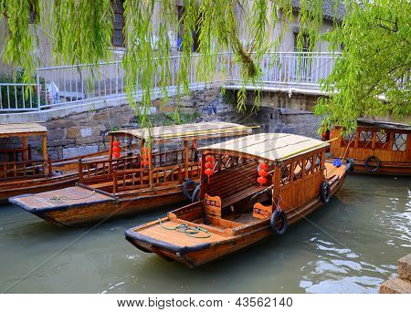 BOATS ON ANCIENT CHINESE CANAL