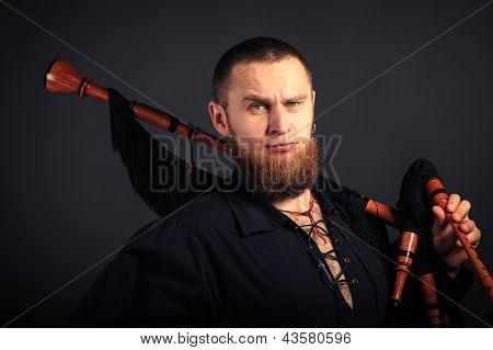 Severe Scottish Piper