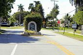 Coral Ridge Isles Sign