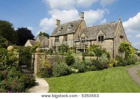 Rural Cotsworld Stone Homes In England