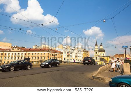 ST.PETERSBURG, RUSSIA - JUN 26: One of the streets in historical center, Jun 26, 2013, SPb, Russia. Petersburg ranked 10th place among most visited and popular tourist cities in Europe, 20th in world.