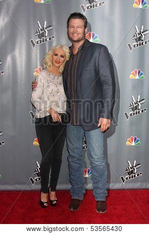 LOS ANGELES - NOV 7:  Christina Aguilera, Blake Shelton at the The Voice Season 5 Judges Photocall at Universal Studios Lot on November 7, 2013 in Los Angeles, CA
