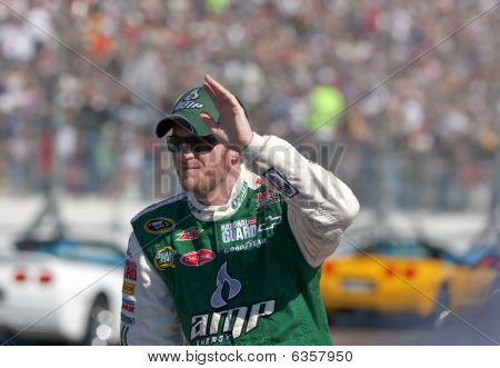 Nascar:  November 15 Checker O'reilly Auto Parts 500