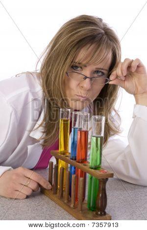 Profesor enojado ciencia