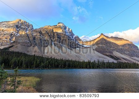 Sunrise at the Bow Lake
