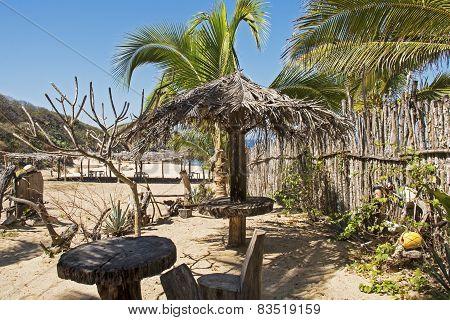 Funky Pacific Ocean Beach Hideaway