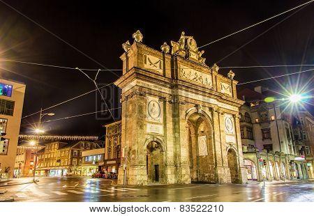 Triumphal Arch In Innsbruck At Night - Austria