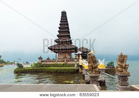 Water temple at Bratan lake