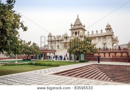Jodhpur, India - January 1, 2015: Tourist Visit The Jaswant Thada Mausoleum In Jodhpur
