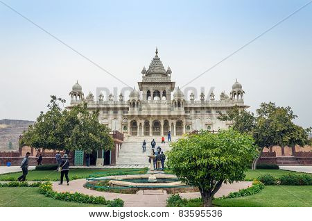 Jodhpur, India - January 1, 2015: Tourist Visit The Jaswant Thada Mausoleum In Jodhpur, India.
