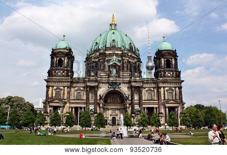 Berlin Cathedral (berliner Dom) And Fernsehturm Behind
