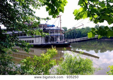 Cumberland Riverboat