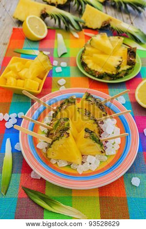 Pineapple - summer delights with pineapple, garden party