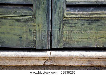 Window  Varese Palaces I      Wood Venetian Blind Concrete  Brick