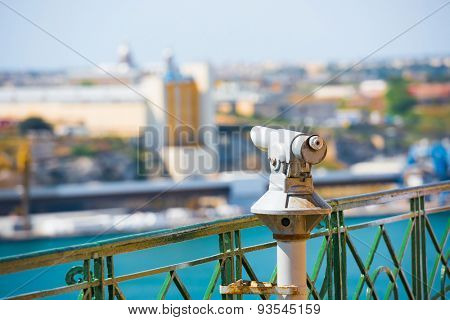 panoramic telescope for viewing distanced city attractions