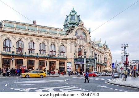 PRAGUE, CZECH REPUBLIC - DEC 23 : Tourists on foot Street in Prague, Czech Republic. DEC 23, 2014 in PRAGUE