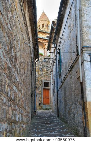 Alleyway. Bovino. Puglia. Southern Italy.