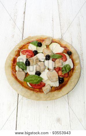 Pizza With Mozzarella And Chicken Cube