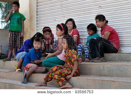 Indian Children Play On The Steps Of The House In Bangalore