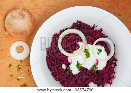 Grated Beets With Chopped Onion