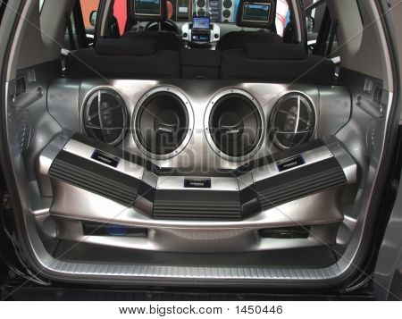 Car Audiosystem With Loudspeakers And Amplifier