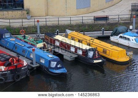 Leeds House Boats