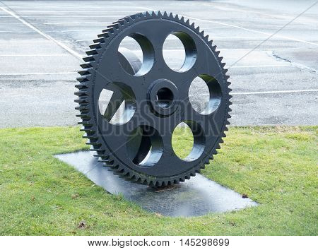 one big cogwheel to use in the industri for some machin