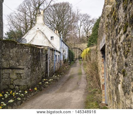Urban to country paths and homes in Fife