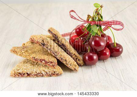 Integral Cookies With Cherries