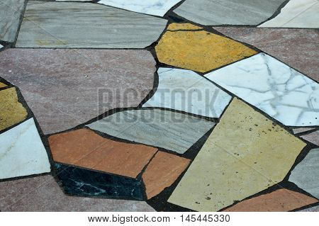 An uneven pattern design on the floor