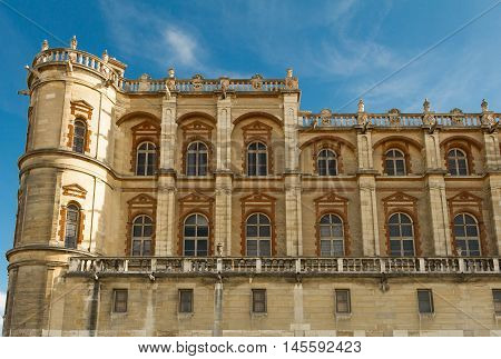 The chateau (castle) Saint Germain en Laye was one of the principle residences of the Kings of France from the 12th to the mid-17th century.Louis XIV was born at this castle in 1638.